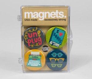 allison-cole-bookworm-magnet-pack-main-563a3ad1e866a-580